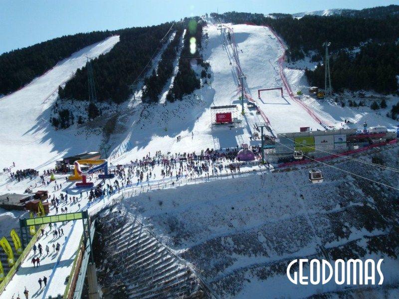 Mobilus Ø8 m kupolas moterų slidinėjimo čempionatui 2012 m. Soldeu, Andora