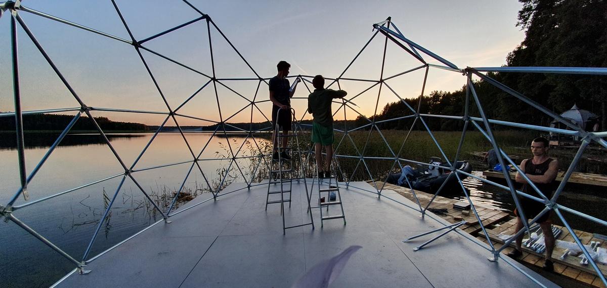 Pramoginis kupolinis laivas 27m2  |  Pasimėgaukite Trakų ežerų ir jų salų grožiu