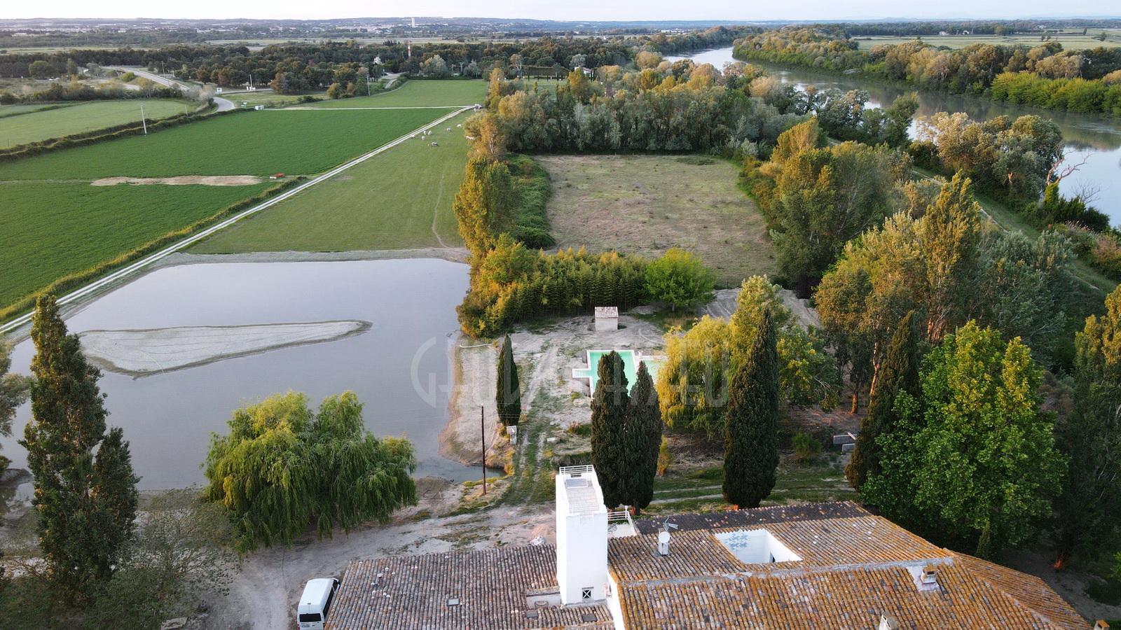 Ø14m 154m2 Lauko Baseino Kupolas | Mas du Versadou, Prancūzija