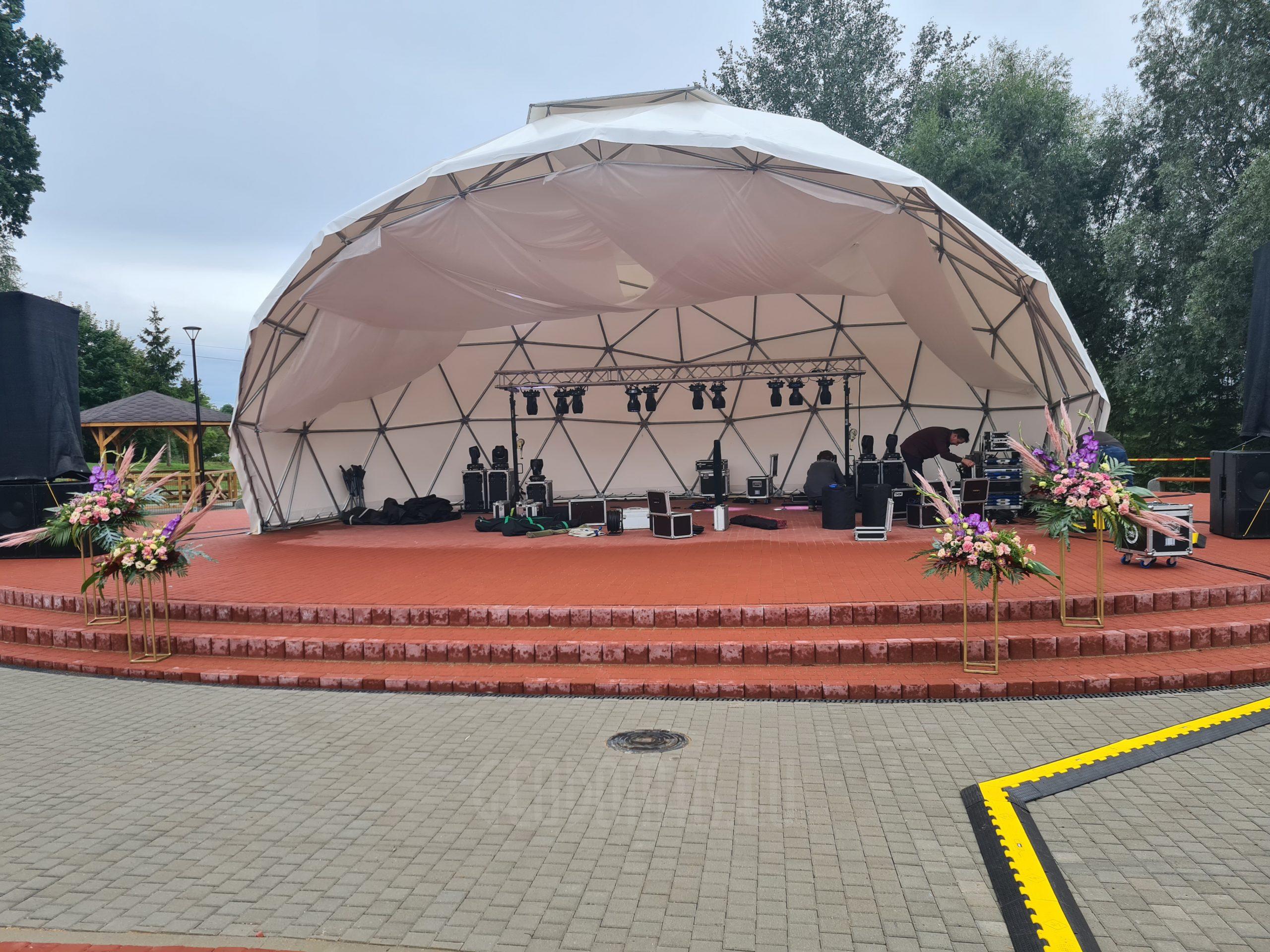 Ø11m Miesto scena renginiams Pilviškėse, Lietuva
